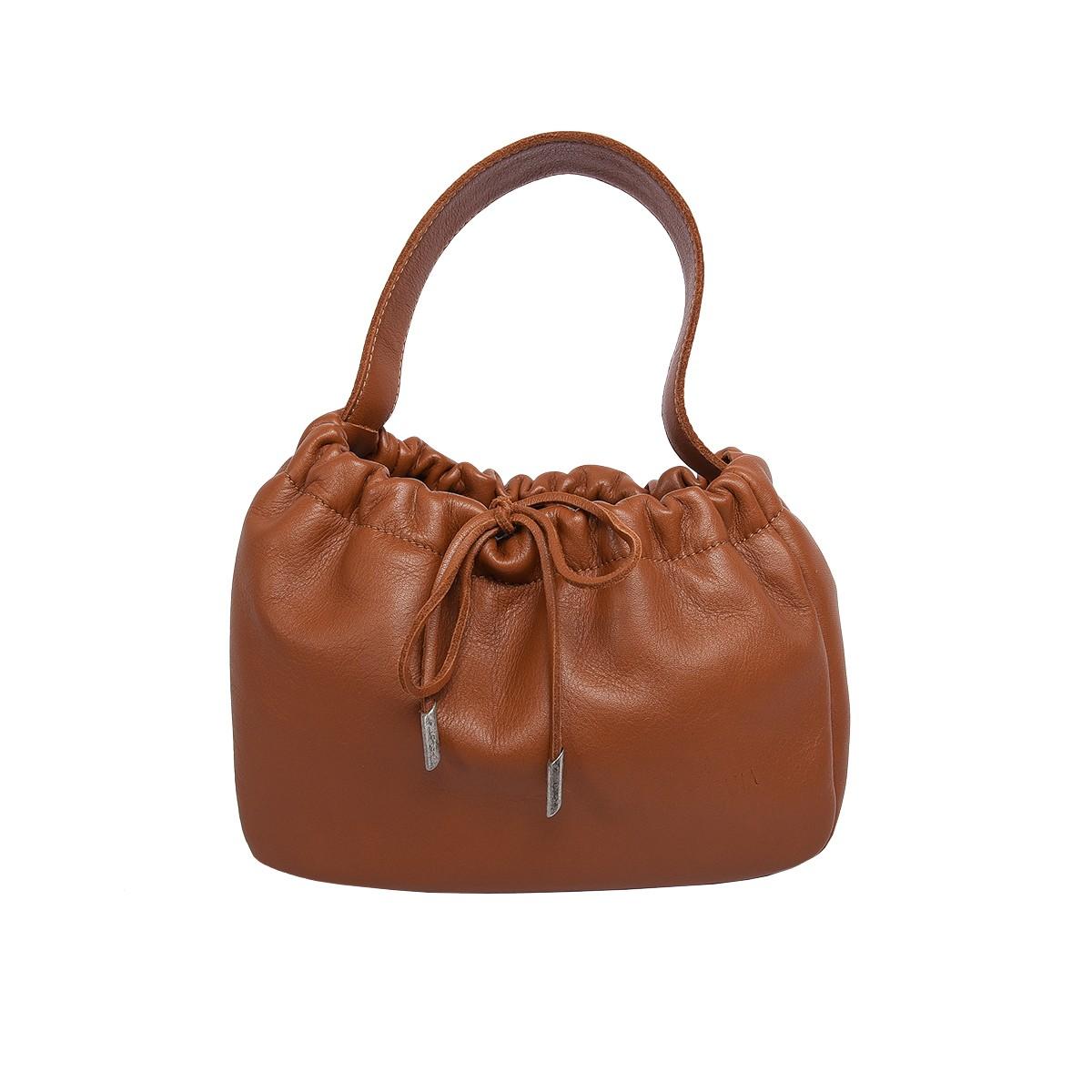 Come abbinare la borsa color taupe: scelte di stile con ...