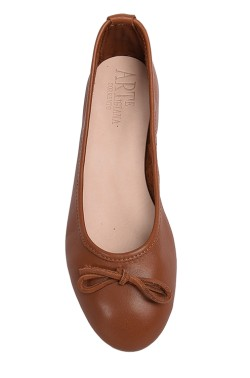 Entirely handmade leather brown ballerina flat with laces for children