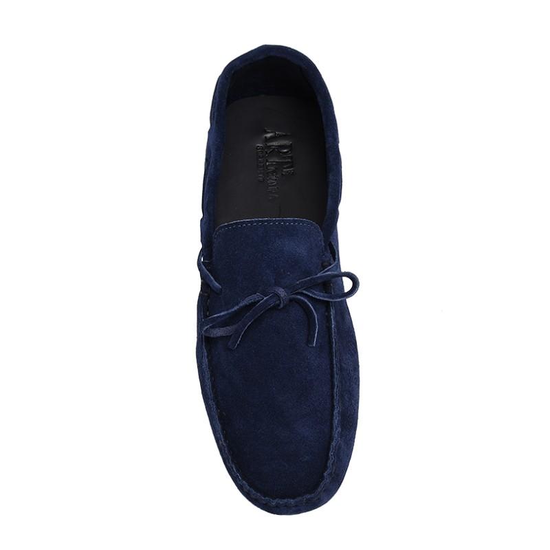Mocassino scamosciato color blu con lacci
